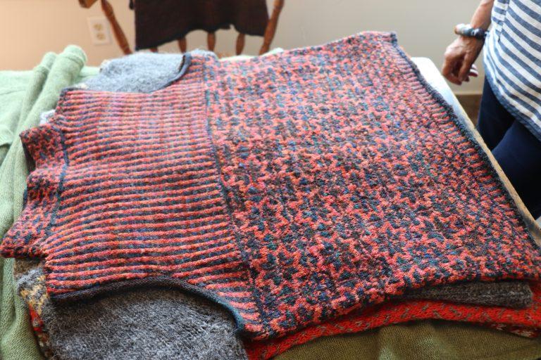 Backside of a sweater vest